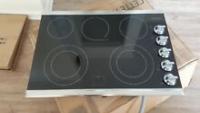Frigidaire Gallery Stainless 30  Glasstop 5 Burner Electric Cooktop FGEC3067MS