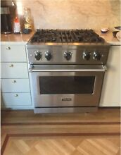 Viking Pro 5 Series 30  Stainless Steel Freestanding Gas Range VGR5304BSS Mint