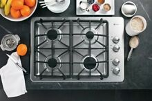 GE Cook top FLOOR MODEL PGP943SETSS   LOACL PICK UP ONLY