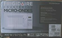 Open Box Frigidaire FFCM0724LW 700 watts Microwave Oven   Free Shipping