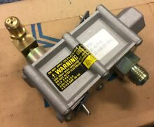 New Amana Maytag Range Wall Oven Gas Dual Valve Assembly 68022 0068022 RKS395