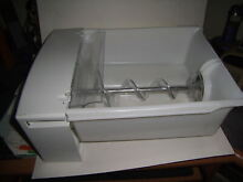 GE Refrigerator freezer Ice maker auger and bucket assembly