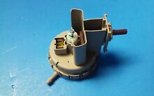Genuine Speed Queen   202937 Washer Water Level Pressure Switch  NEW   69 93