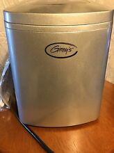 Ginny s Portable Ice Maker  ONLY 2 LEFT