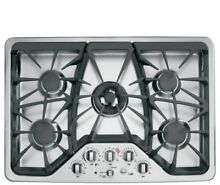 GE Cafe 30  Wide Gas 5 Burner Cooktop with Tri ring Burner  CGP350SETSS  NEW