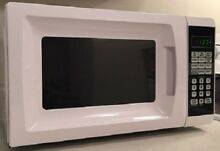 Microwave Oven  7 Cu Ft 6 Quick Cook Programed Buttons Cooking Timer  Clock NEW