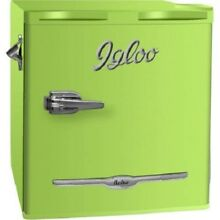 Igloo 1 6 Cu  Ft Retro Style Mini Refrigerator in Olive