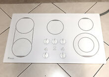 GE MONOGRAM MODEL ZEU769T0C1WW 36  ELECTRIC COOKTOP WHITE   NICE