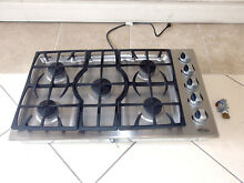 DCS FISHER   PAYKEL MODEL CT365SS L 36  STAINLESS 5 BURNER GAS COOKTOP