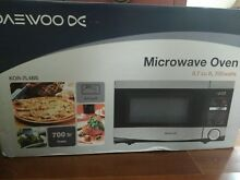 Daewoo Microwave Compact Stainless Steel  7 Cu Ft 700 Watt KOR 7L4BS NEW Dorm