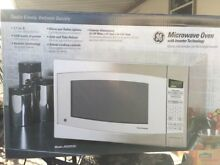 New In Box GE Microwave Oven Model   JES2251SJ