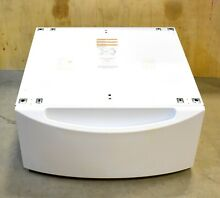 LOCAL PICK UP ONLY  GE   Pedestal for Washers and Dryers   WHITE   GFXP1308FWW