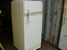 VINTAGE RETRO ANTIQUE 1956 FRIGIDAIRE GM REFRIGERATOR FREEZER PINK INTERIOR NEET
