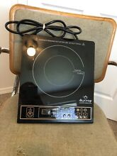 Portable Induction Cooktop 1800W Countertop Burner Digital Duxtop 8100MC MINT
