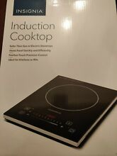 Insignia  11 4  Electric Induction Cooktop   Insignia NS IC1ZBK8