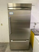 THERMADOR 36  BUILT IN REFRIGERATOR STAINLESS STEEL MOD  KBURT3661A02