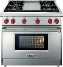 Wolf GR364G 36 Inch Pro Style Gas Range with 5 5 cu  ft  Convection Oven