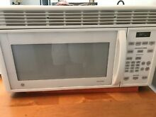 GE Spacemaker White 30  Over the range Microwave