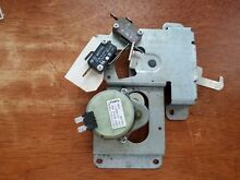 Genuine OEM Viking Professional Wall Double Wall Oven DOOR LATCH Part   PE050020