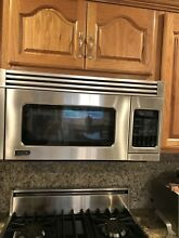 VIKING PROFESSIONAL SERIES 30  OVER THE RANGE MICROWAVE OVEN VMOR205SS