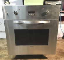 Viking 30  Stainless Steel Single Electric Wall Oven  DES0101SS