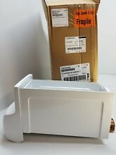 5304504446 FRIGIDAIRE REFRIGERATOR ICE CONTAINER  NEW PART