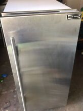 Sub Zero Ice Machine 315P With Stainless Panel Light Used Light ware