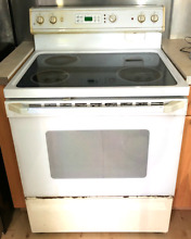 GE 30  WHITE FREE STANDING ELECTRIC RANGE LOCAL PICKUP ONLY