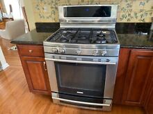 30  Electrolux Gas Oven with 5 burners  and warming tray   Nice