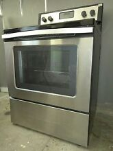 Whirlpool 30  4 8 cu  ft  Electric Range in Stainless Steel