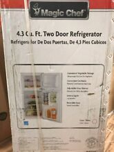 White 4 3 cu ft Mini Refrigerator Kitchen Small Appliance Energy Star Magic Chef