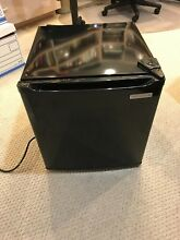 Mini bar refrigerator 1 7 cu feet black