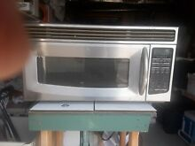 KITCHEN AID MICROWAVE OVER STOVE MODEL IN VERY GOOD CONDITION