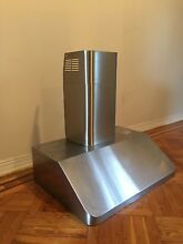 Kobe Stainless Ducted Wall Mount Range Hood Model CH9130SQB