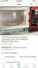 700W Microwave Oven  Compact Countertop  Dorm Room Bedroom  Mainstays  Red  Used