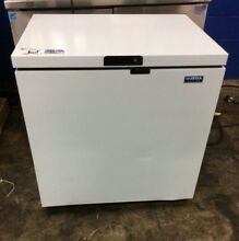 OJEDA NCF 34 COMMERCIAL CHEST FREEZER  7 CU  FT  CAPACITY