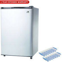 Igloo FR321P 3 2 CU Ft Compact Fridge Deluxe Package w  2 Ice Trays