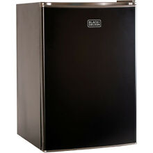 Black   Decker  Compact Refrigerator Energy Star Single Door Mini Fridge with Fr