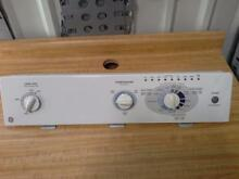 GE Washer console with Control Board and knobs  175D4490G003