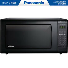 Panasonic 1 6 Cu  Ft  Countertop Microwave Oven in Black   NN SN736B