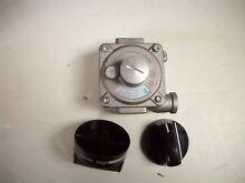 New Whirlpool Range Gas Regulator w Knobs Part  W10633327   WPW10633327