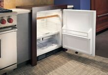 Sub Zero UC 24CI RH 24  Undercounter Refrigerator w Ice Panel Ready Right Hinge
