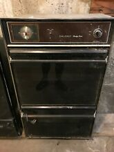 KITCHEN APPLIANCES  24IN WALL OVEN MAGIC CHEF