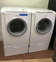 Bosch Nexxt dlx series front load washer and gas dryer set with pedestal 0002933