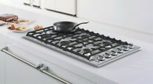 NEW Viking Professional Series 36  Sealed Burner Gas Cooktop VGC5366BSS Complete