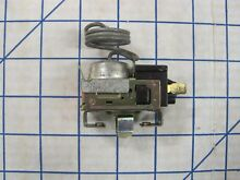 GE PART   WR9X442  THERMOSTAT  COLD CONTROL  NEW OLD STOCK