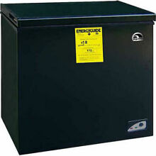 RCA Igloo 5 1 cu ft Chest Freezer  Black Energy Saving Compact FRF454