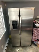 GE  Side by Side Refrigerator in Stainless Steel