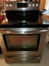 Frigidaire Fgef 3035RF 30  Stainless Steel Electric Range   Used in good cond