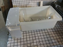 WR17X23191 GE Refrigerator Ice Bucket Auger Assembly